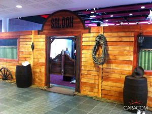 decoration-evenement-saloon