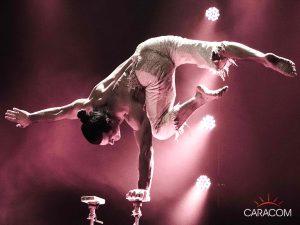 organisation-spectacle-cirque-acrobates-equilibre-3