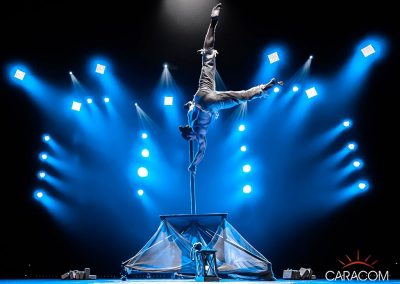 organisation-spectacle-cirque-acrobates-equilibre-4